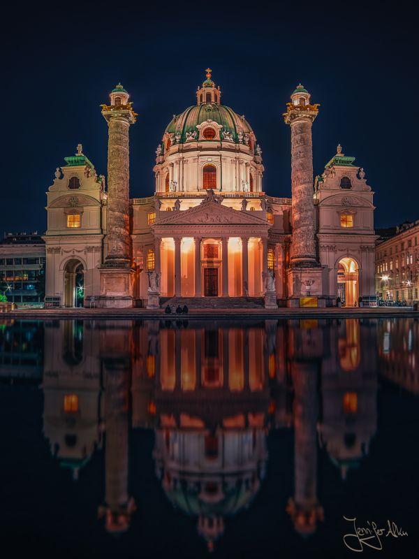 Karlskirche - Wien, Österreich - Nachtaufnahme