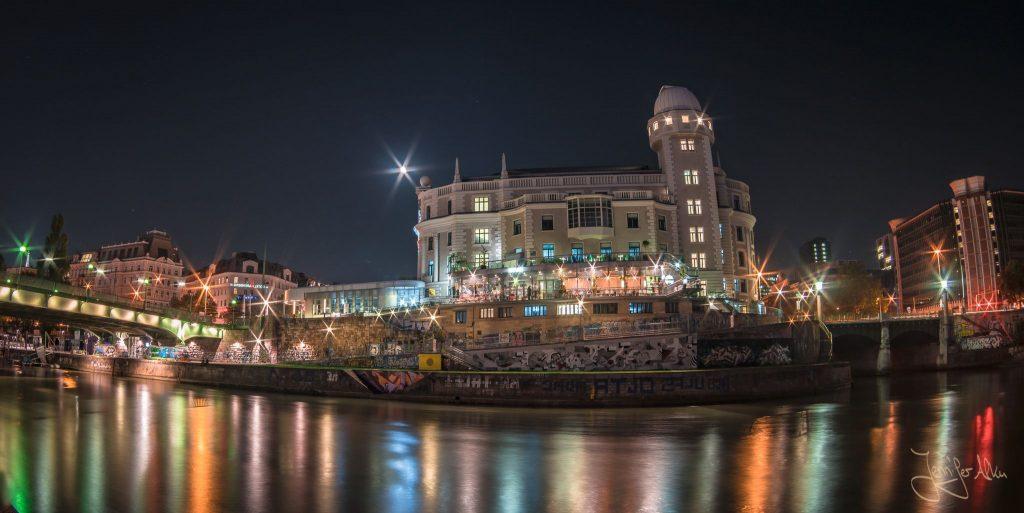 Urania - Donaukanal Wien bei Nacht