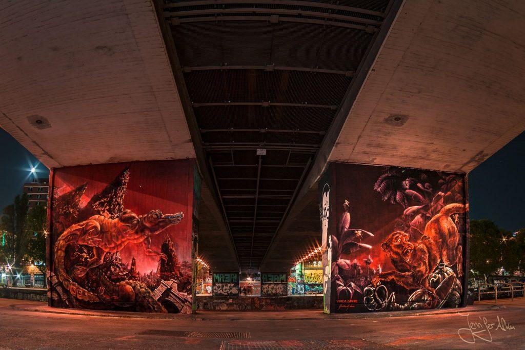 Graffiti Donaukanal Wien bei Nacht