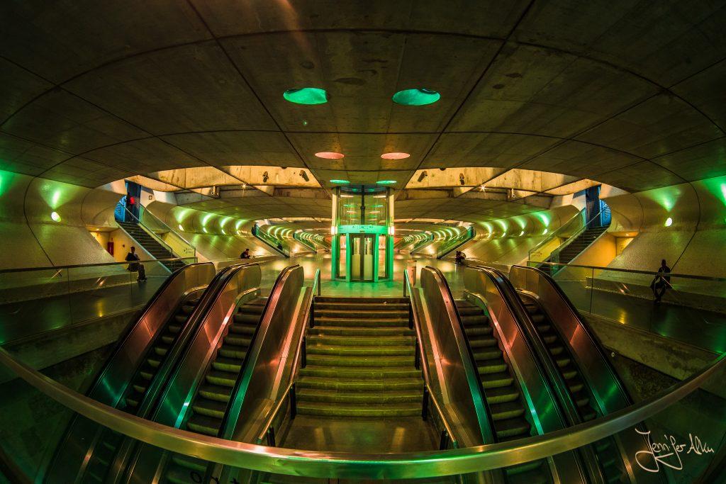 Futuristischer Bahnhof - Bahnhof Oriente in Lissabon