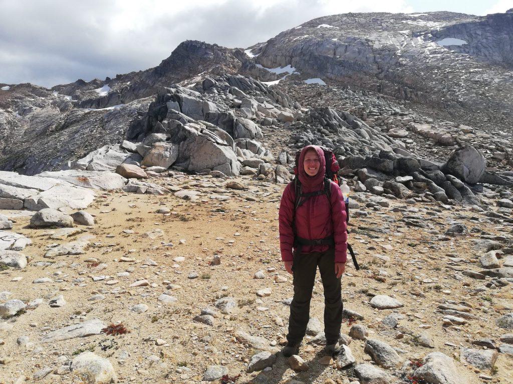 Bald ist der Gipfel des Cerro Cristal erreich - Trekking von der Laguna CAB zur Laguna Creton