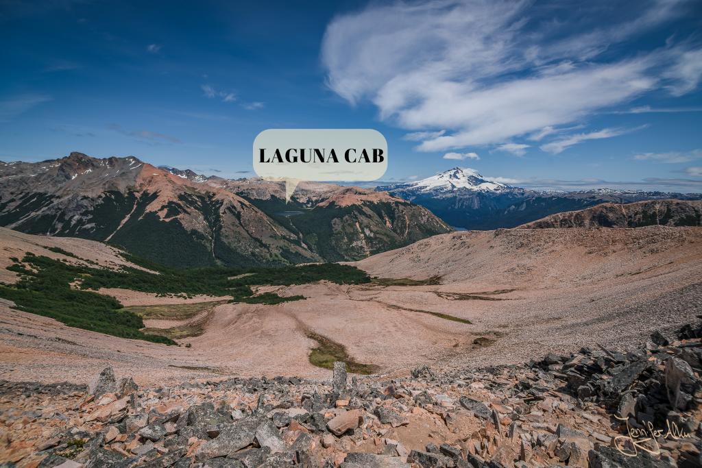 Ziel in Sicht - dieses Tal müssen wir zur Laguna CAB durchqueren