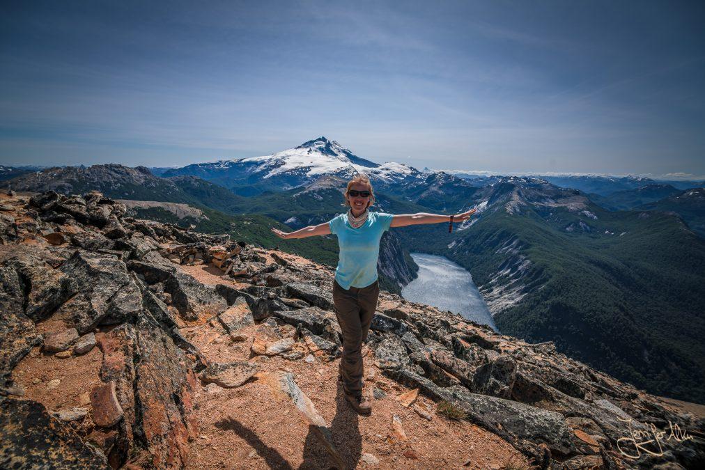 Jennifer Alka vor dem Cerro Tronador