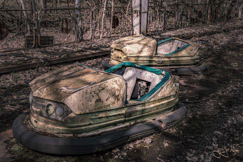 Autoskooter im verlassenen Freizeitpark von Tschernobyl